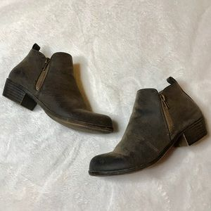 Jessica Cline | Taupe Double Zipper Ankle Booties